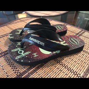 Toddler boy Havaianas flip flops size 13/1